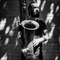 Colin_Stetson_by_Peter_Gannushkin-14